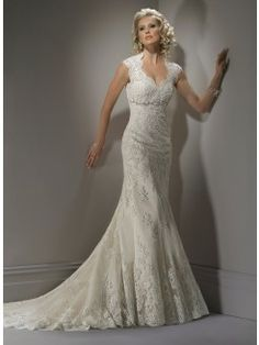 Sheath/Column V-neck Lace Wedding Dress