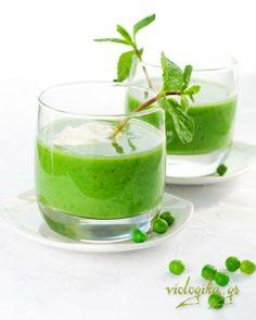 Cucumber and Avocado Gazpacho (Vegan and Paleo) Green Gazpacho Recipe, Gazpacho Recept, Gazpacho Soup, Cucumber Gazpacho, Pea And Mint Soup, Green Pea Soup, Good Healthy Recipes, Healthy Soup, Healthy Smoothies