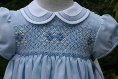 Beautiful Children's Corner pattern Lee with faggoted collar. Smocked Baby Clothes, Girls Smocked Dresses, Sewing Baby Clothes, Baby Sewing, Barbie Clothes, Smocking Baby, Smocking Patterns, Dress Patterns, Smocking Tutorial
