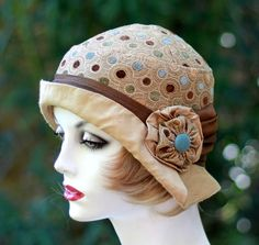 Woman's Size Small 1920's Cloche Hat - product image