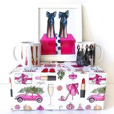 Unwrap joy 💕🎨 hnillustration.etsy.com #fashionsketch #fashionillustration #fashionillustrator #boston #bostonblogger #bostonillustrator #copic #copicmarkers #copicart #hnicholsillustration #shopsmall #etsy #prints (at H. Nichols Illustration Studio)