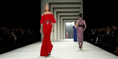 Carolina Herrera emphasizes daywear for fall, shows geometric prints and fluttery silks | canada.com