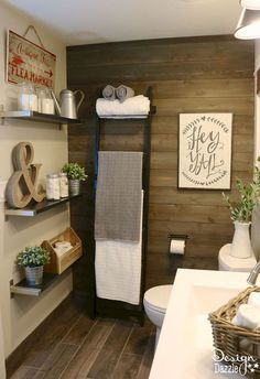 Awesome 25 Rustic Farmhouse Bathroom Design & Ideas https://roomaniac.com/25-rustic-farmhouse-bathroom-design-ideas/