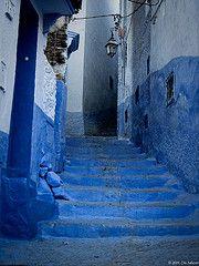 Chaouen     (Explore Nov 26, 2009) (Cris_ST) Tags: azul chaouen marruecos escalones ail callesestrechas callejuelas crisst callesazules