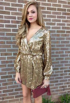 15 New Year's Eve Outfit Ideas: #14. GOLD SEQUIN DRESS