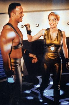 "StarTrek: Jeri Ryan and The Rock behind the scenes of Star Trek Voyager episode ""Tsunkatse"" Star Trek Actors, Star Trek Tv, Star Trek Characters, Star Trek Ships, Star Wars, Star Trek Enterprise, Star Trek Voyager, The Rock Dwayne Johnson, Dwayne The Rock"