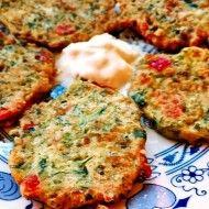 Fotografie receptu: Kabak mücver  - turecké křupavé cuketovo-sýrové placky