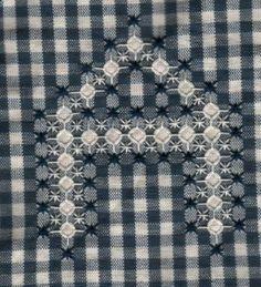 broderie suisse - broderie suisse:… - Mes petites croix et autre: 4 pages of patterns includes the entire alphabet