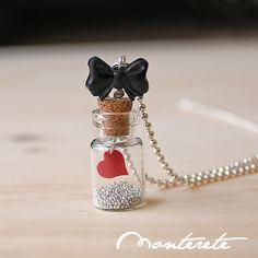 Collar botellita de cristal con lacito y corazón