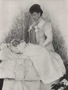 thestuffoffairytales:  carolathhabsburg:  Pss Mary, duchess of York and baby Henry, future duke of Gloucester. 1900.  Aww how adorable was little baby Harry??