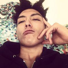 TOP's IG HandsomeUgly selca  #BigBangisBack #ChoiSeungHyun #TOP