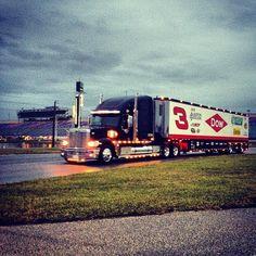 Austin Dillon's No. 3 hauler pulls into Daytona #nascar #preseasonthunder #Padgram