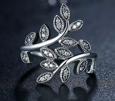 Sparkling Leaves Silver Ring