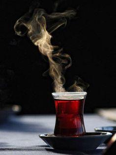 """""""Çay nerde üretilir, çay nasıl bulundu ya da çayın kökeni neresi, çay nereden gelir?"""" gibi..."""