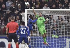 39b1a254c0 Juventus 1-1 Lyon  Gonzalo Higuain fires from the spot