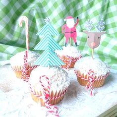 Sneeuwcupcakes voor kerst voor de kinderen! Meer recepten voor kerst op de site. http://dekinderkookshop.nl/recepten-voor-kinderen/sneeuwcupcakes/ Snow cupcakes for christmas for kids!