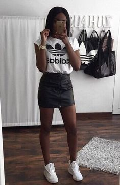 Adidas Beauty Body Kleidung Sportliches Outfit Adidas Beauty Body Kleidung Sportliches Outfit trendy outfits, summer outfits, perfect look. Dress Outfits, Legging Outfits, Nike Outfits, School Outfits, Sporty Summer Outfits, Trendy Outfits, Sporty Dresses, Sporty Clothes, Simple Outfits