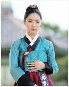 Rooted Tree(Hangul:뿌리 깊은 나무;RR:Ppuri Gipeun Namu) is a 2011 South Korean television series starringJang Hyuk,Shin Se-kyungandHan Suk-kyu, Song Jung-ki