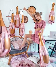 Paper Confetti - High-End Rose Gold Party Decorations and Supplies – Paper Confetti Events Gold Champagne Bottle, Champagne Balloons, Champagne Party, Gold Party Decorations, Engagement Party Decorations, Birthday Party Decorations, Birthday Ideas, 23rd Birthday, Thirty Birthday