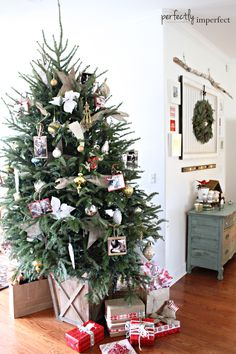 Simple Christmas Decorating Ideas | Perfectly Imperfect.  Love the base of this tree.
