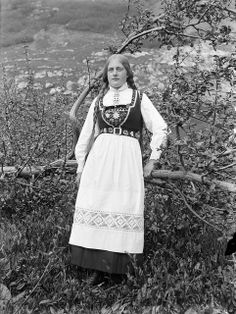 Stongfjorden is a village in Askvoll Municipality in Sogn og Fjordane county, Norway. History Of Norway, Bridal Dresses, Flower Girl Dresses, Bridal Crown, Folk Costume, Historical Clothing, Traditional Dresses, Vintage Photos, Lace Skirt