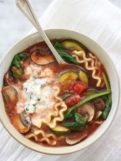 Soups on : LOVE everything about this veggie-loaded Slow Cooker Vegetarian Lasagna Soup from Foodie Crush! [via Slow Cooker from Scratch] Healthy Slow Cooker, Slow Cooker Soup, Slow Cooker Recipes, Crockpot Recipes, Soup Recipes, Vegetarian Recipes, Cooking Recipes, Healthy Recipes, Vegetarian Lasagne