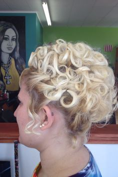 SHORT HAIR THAT DOESN'T LOOK SO SHORT ANYMORE! UPDO BY KARMA SALON IN TAYLORVILLE