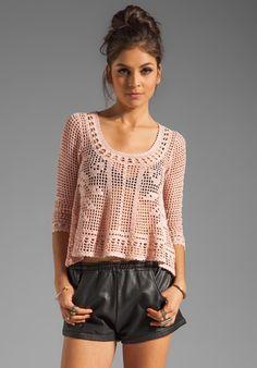 crochelinhasagulhas: Blusa rosa em crochê filé                                                                                                                                                      Mais