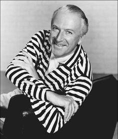 Meet the Dress Designer Cecil Beaton who designed dresses for actress Audrey Hepburn and cast in My Fair Lady! Famous Photographers, Portrait Photographers, Important People In History, English Fashion, British Fashion, Cecil Beaton, Breton Stripes, My Fair Lady, Annie Leibovitz