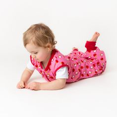 Removable Long Sleeves 3.5 Tog Red Apple 12-18//70cm Slumbersac Sleeping Bag with Feet with Poppers