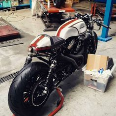 Zadig Motorworks' latest, entitled 'Rocky Balboa'. Cool? (via CAFE RACER)