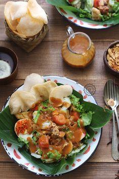 GADO-GADO - catatan-nina Gado Gado Recipe, Cant Stop Eating, Food Photography, Photography Aesthetic, Good Food, Yummy Food, Asian Recipes, Ethnic Recipes, Indonesian Food
