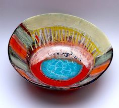 Big open bowl, white slipped ground on red earthenware, coloured slips and glaze application (four firings) © Linda Styles 2014