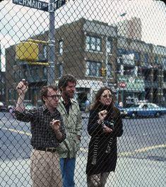 Woody Allen, Diane Keaton, Tony Roberts in Annie Hall (1977)
