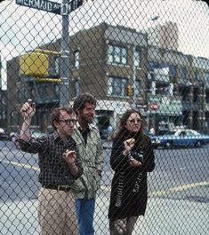 Woody Allen, Diane Keaton, Tony Roberts in Annie Hall (1977)