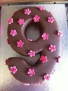 number 9 birthday cakes