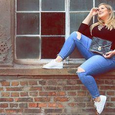 Photo & Makeup @minaj_ung  Outfit @H&M Shoes @Adidas  #plus #curvy #curvygirl #plussize #plusequal #curves #blonde #blondeandcurvy #jeans #rippedjeans #adidas #adidassuperstar #metaltoe #model #shooting #effyourbeautystandards #selfconfidence #selflove #lovemycurves #celebratemysize #hennesandmauritz #hnm #sneakers #plussizemodelmichele #smile #plusmodelmag