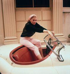 #AnitaEkberg, La Dolce Vita -- 1960 -- #Jaguar XK