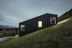 the-tree-mag-house-in-lofer-by-lp-architektur-10.jpg