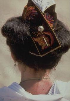 Saintes-Maries : La Festo Vierginenco coiffe les Arlésiennes