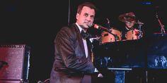 WinNetNews.com- Musisi dunia Tommy Page meninggalkan dunia musik untuk selama-lamanya, Penyanyi dan penulis lagu Tommy Page yang meninggal dunia pada Jumat 3/3/2017, meninggalkan kesedihan yang mendalam di hati keluarga juga para penggemarnya. Pihak keluarga mengungkapkan kesedihan mereka pasca meninggalnya