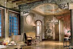 Gerald Butler's NY loft. Artists Jon De Pabon and Paul Kendall painted the mural on the entrance hall's ceiling.