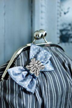 Elegant Purse with beautiful bow by Lisbeth Dahl  www.artandmore-shop.de