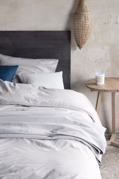Check out our selection of high-quality essentials in soft materials. | H&M Home