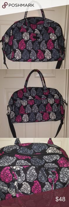 NWOT Vera Bradley Weekender Canterbury Print Bought thinking I would need more than one bag for a trip.  Turns out I only needed one.  Took tags off, but nothing even put inside.  Definitely airplane (tsa) approved.  🚫 trades.  Thanks. Vera Bradley Bags Travel Bags
