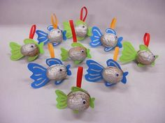 tvoření s dětmi na vánoční jarmark - Hledat Googlem Animal Crafts For Kids, Christmas Activities For Kids, Christmas Projects, Diy Crafts For Kids, Kids Christmas, Art For Kids, Xmas Ornaments, Christmas Decorations, Walnut Shell Crafts