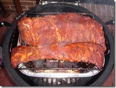 How to cook pork ribs on a Big Green Egg, or any other smoker. Big Green Egg Ribs, Big Green Egg Smoker, Green Egg Grill, Green Eggs, Pork Rib Recipes, Grilling Recipes, Cooking Recipes, Smoker Recipes, Cooking Tips