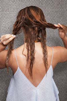 4 easy, wet hair DIYs that don't require heat tools or time in the morning