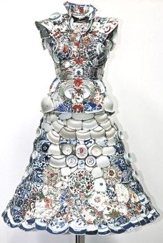 patternprints journal: INCREDIBLE SURFACE EFFECTS IN STUNNING PORCELAIN OUTFITS BY LI XIAOFENG
