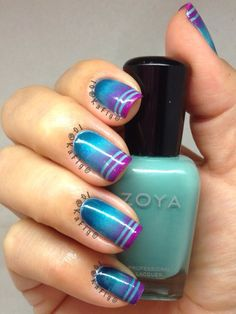 Heres a gradient mani using nail tape. This was fun to do :)